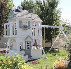 Top 10 Kids Outdoor Playhouses From Instagram (With images ...